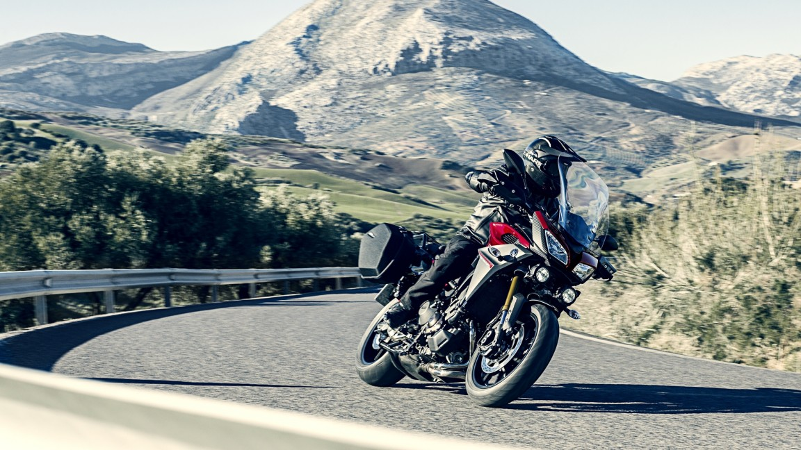 2016-Yamaha-MT-09-Tracer-EU-Lava-Red-Action-001.jpg